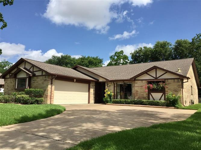 2823 Poplar Creek Lane, Pearland, TX 77584