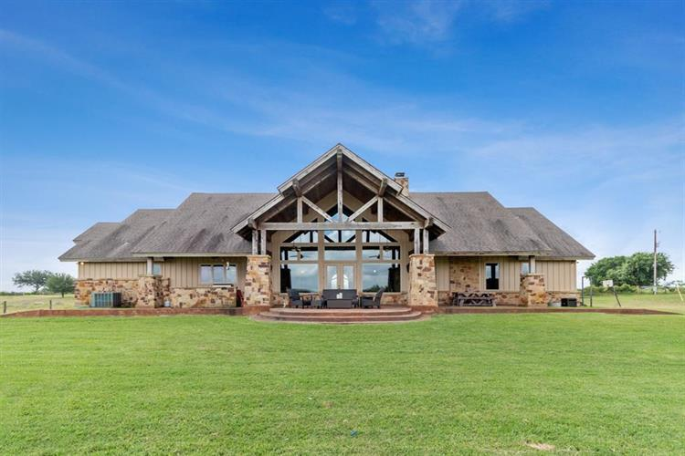 1682 County Road 310, Yoakum, TX 77995 - Image 1