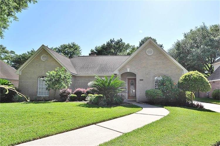 3215 Manor Grove Drive, Kingwood, TX 77345