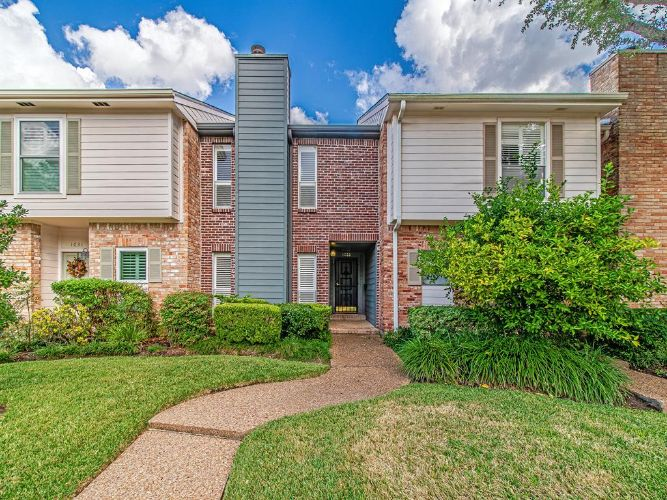 1033 Fountain View Drive, Houston, TX 77057 - Image 1
