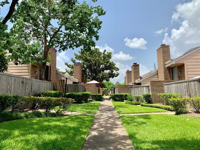 13840 Hollowgreen Drive, Houston, TX 77082 - Image 1