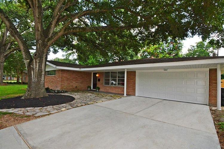 10027 Timberoak Drive, Houston, TX 77080