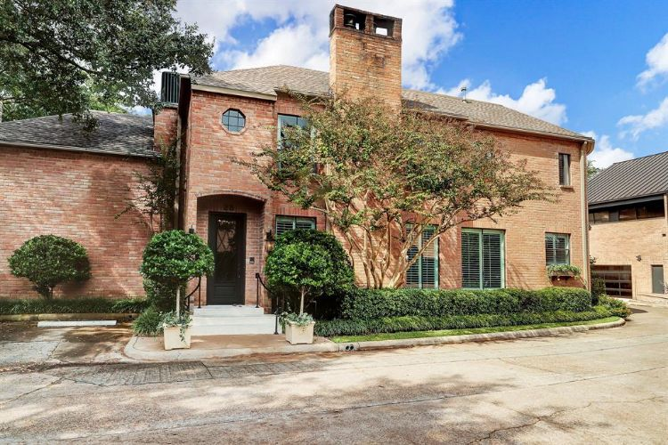 28 River Hollow Lane, Houston, TX 77027 - Image 1