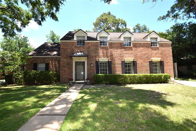 11206 Valley Spring Drive, Houston, TX 77043