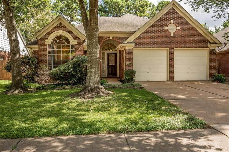 7911 Park Hollow Court, Houston, TX 77095