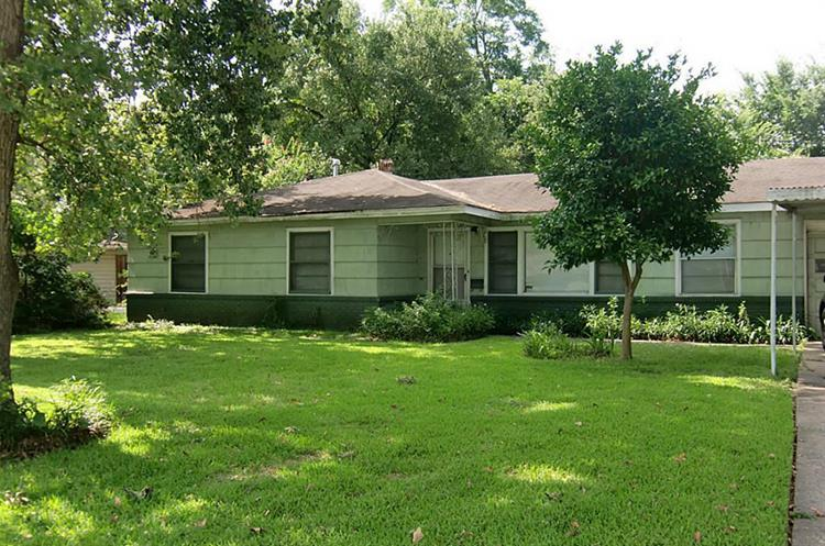 3713 Brookwoods Drive, Houston, TX 77092