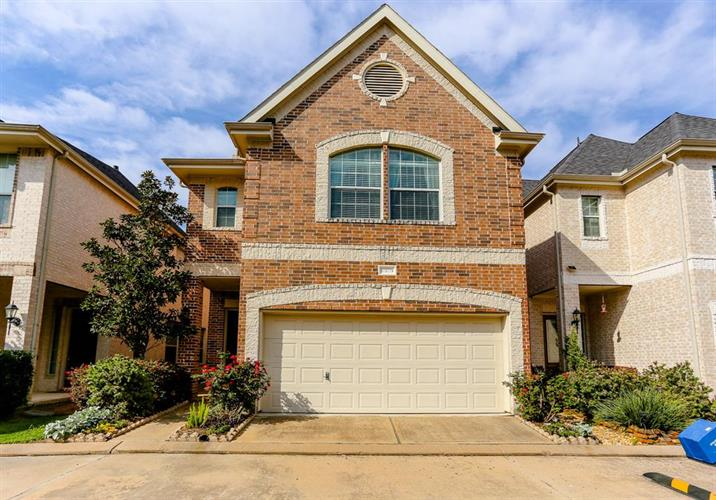 10106 Holly Chase Dr Drive, Houston, TX 77042