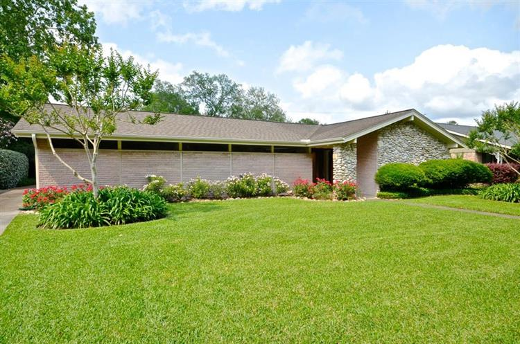 5730 Wigton Drive, Houston, TX 77096 - Image 1