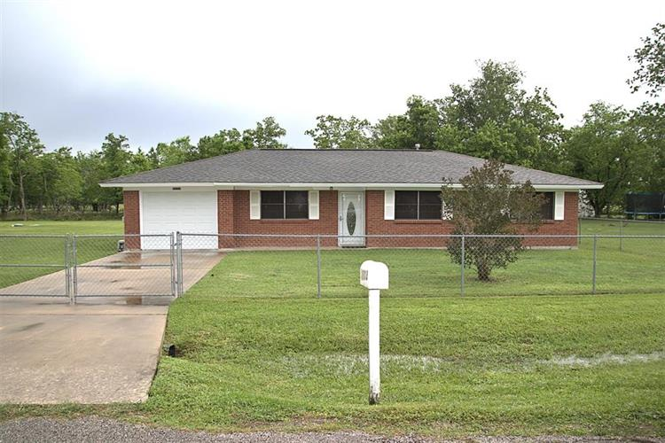 16103 W Clarence Street, Needville, TX 77461