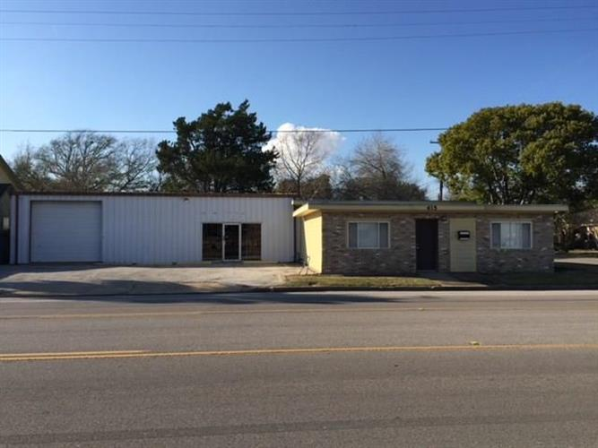 615 N Commerce Street, Baytown, TX 77520