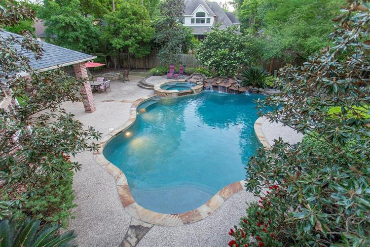 22 Serenity Woods Place, The Woodlands, TX 77382 - Image 1