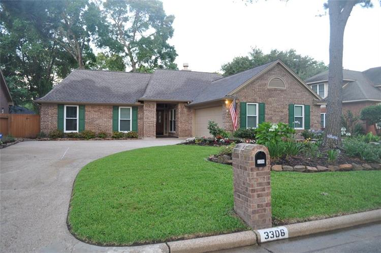 3306 Greenwood Glen Drive, Kingwood, TX 77345