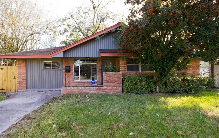 11402 Courtshire Road, Houston, TX 77076 - Image 1