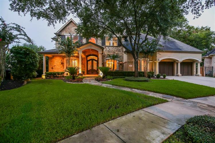 23 Royal Hampton Court, Sugar Land, TX 77479