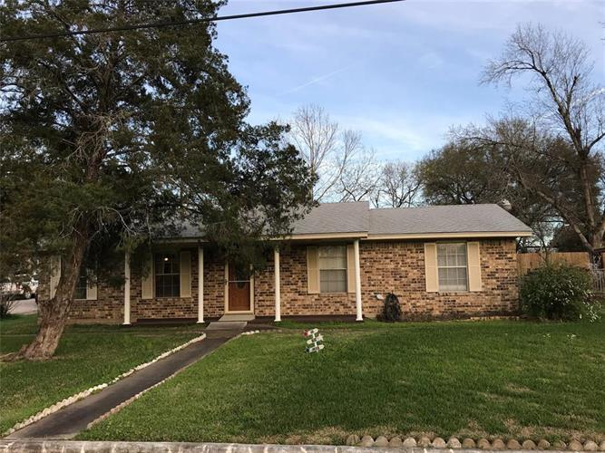 225 N Mechanic Street, Bellville, TX 77418