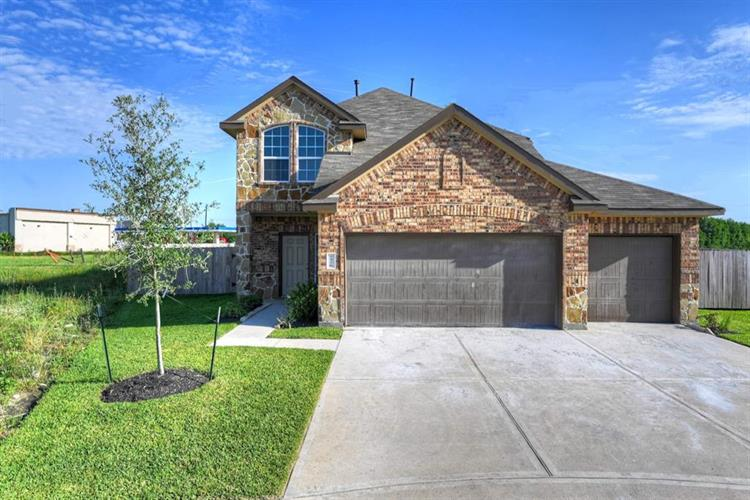 2326 Rosillo Brook Drive, Baytown, TX 77521