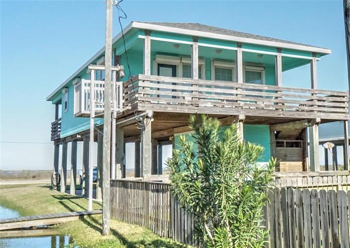 1810 Blue Water Highway, Surfside Beach, TX 77541 - Image 1
