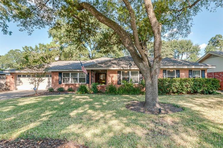 10314 Shadow Wood Drive, Houston, TX 77043