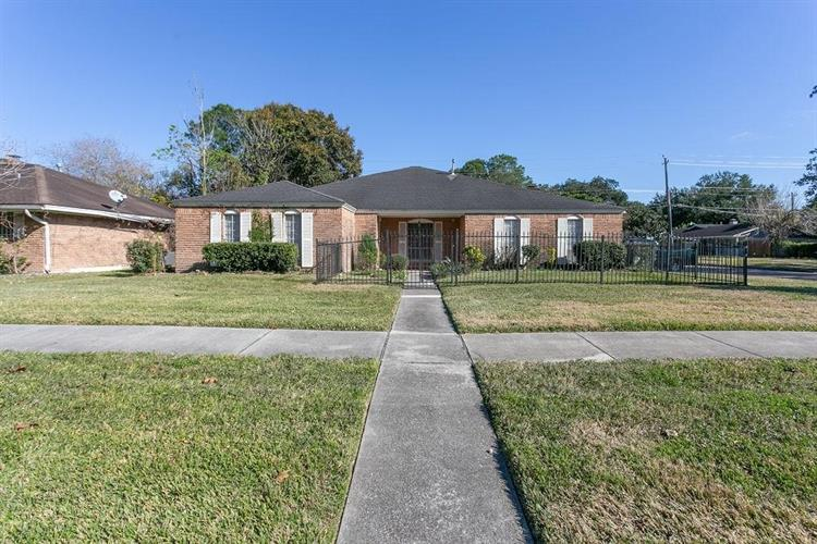 8731 Hinman Street, Houston, TX 77061 - Image 1