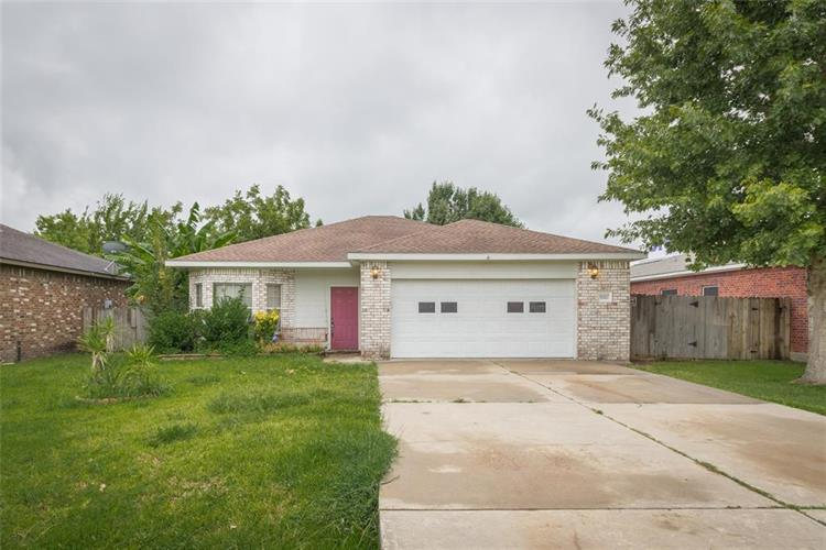 10607 Twin Circles Drive, Montgomery, TX 77356 - Image 1