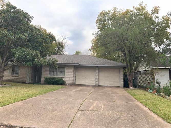 4115 Dragonwick Drive, Houston, TX 77045 - Image 1