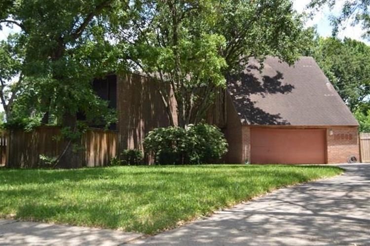 10602 Shady River Drive, Houston, TX 77042