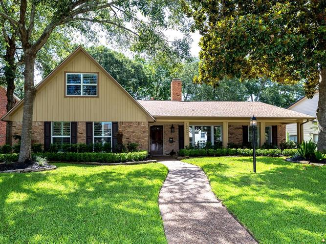 18630 Point Lookout Drive, Houston, TX 77058