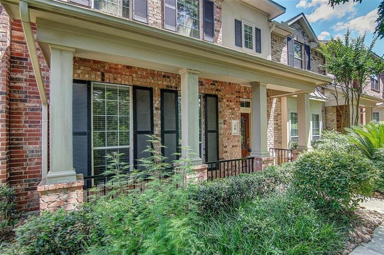 39 Medley Lane, The Woodlands, TX 77382