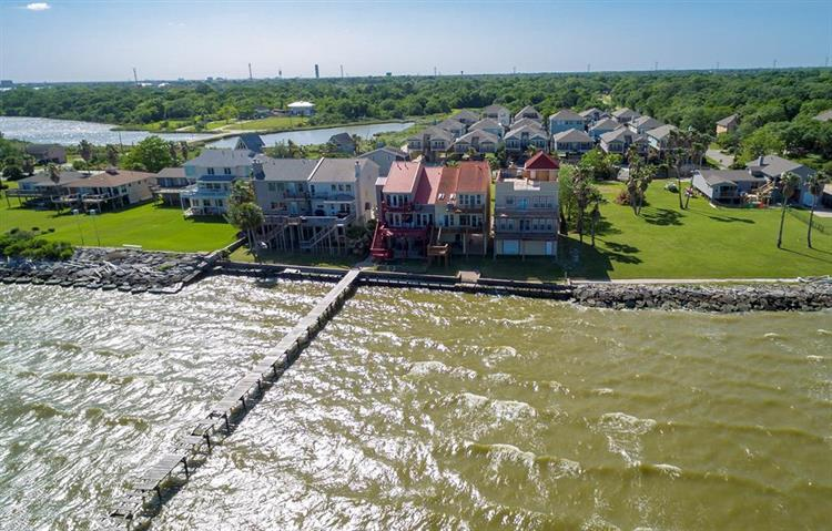 2102 Todville Road, Seabrook, TX 77586