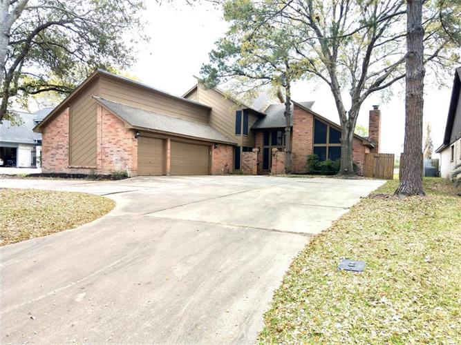 7306 Blenheim Palace Lane, Houston, TX 77095