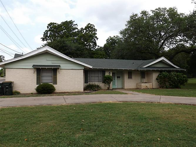 hallettsville singles Hallettsville tx real estate for sale by weichert realtors search real estate listings in hallettsville tx, or contact weichert today to buy real estate in hallettsville tx.