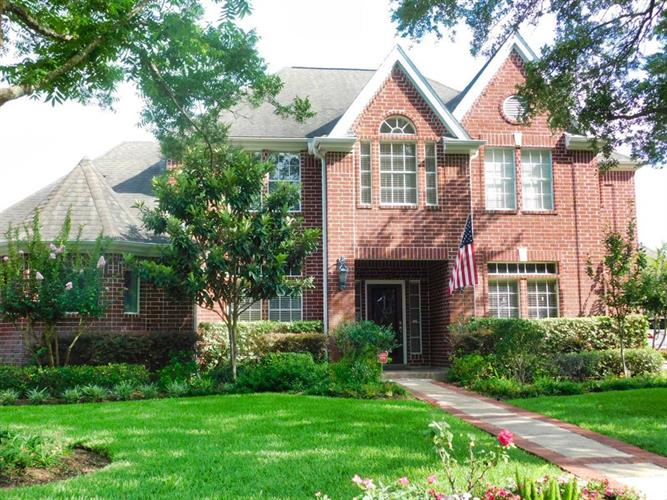 3114 W Autumn Run Circle, Sugar Land, TX 77479