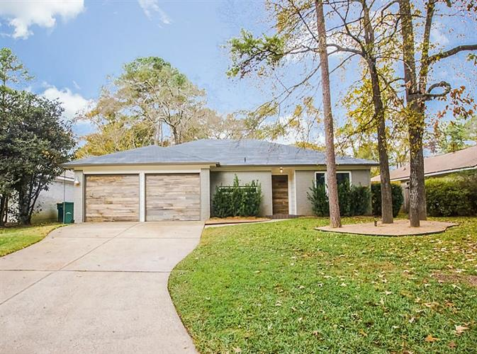 7 Greeningdon Street, The Woodlands, TX 77381