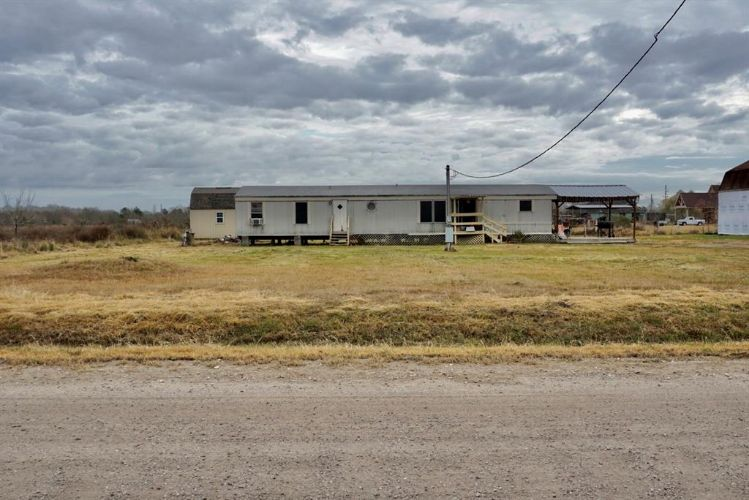 1033 County Road 6026, Dayton, TX 77535 - Image 1