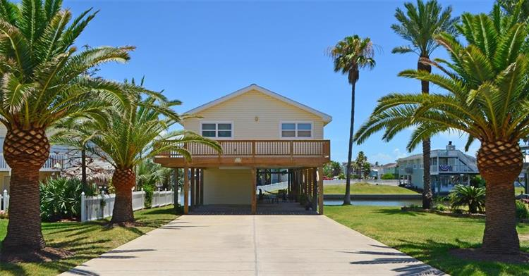 4215 Nueces Drive, Galveston, TX 77554