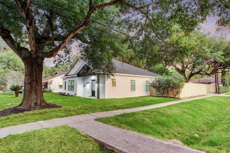 1731 Cheshire Lane, Houston, TX 77018 - Image 1