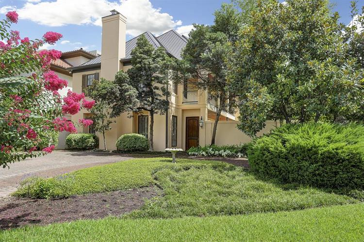 52 Briar Hollow Lane, Houston, TX 77027