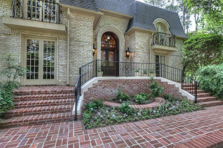 17910 Country Hills, Tomball, TX 77377