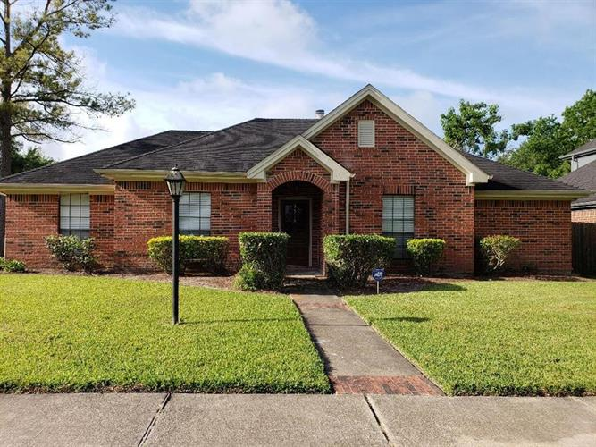 3518 Woodbine Place, Pearland, TX 77584