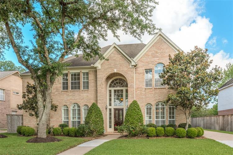 2003 Verdant Valley, Sugar Land, TX 77479