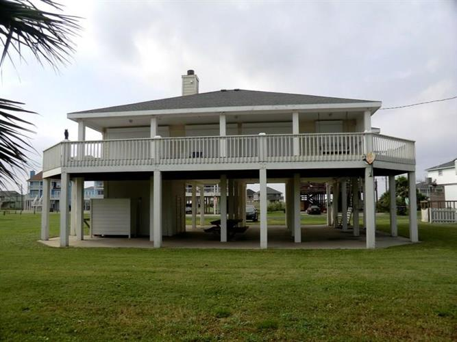 2294 Martinique, Crystal Beach, TX 77650 - Image 1