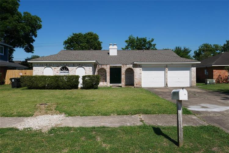 9707 Huntington Way Drive, Houston, TX 77099 - Image 1