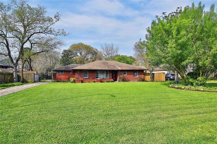 5526 HOLLY, Houston, TX 77081 - Image 1