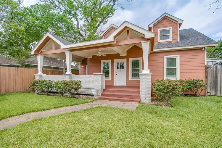841 E 25th Street, Houston, TX 77009 - Image 1