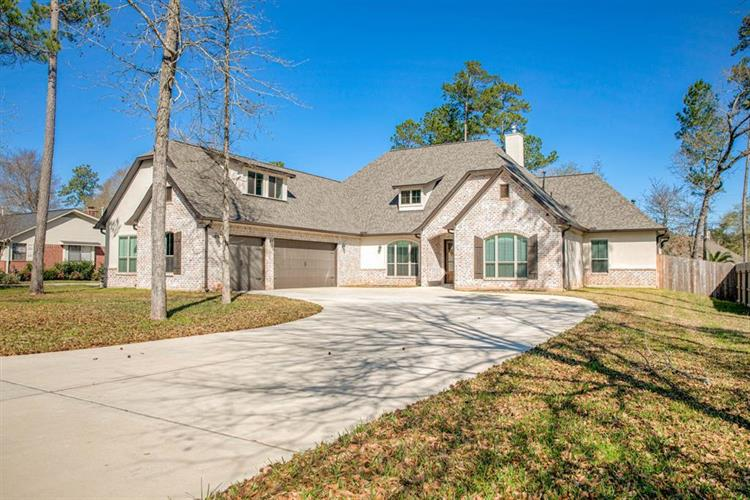 2450 Pebblebrook Circle, Conroe, TX 77384 - Image 1
