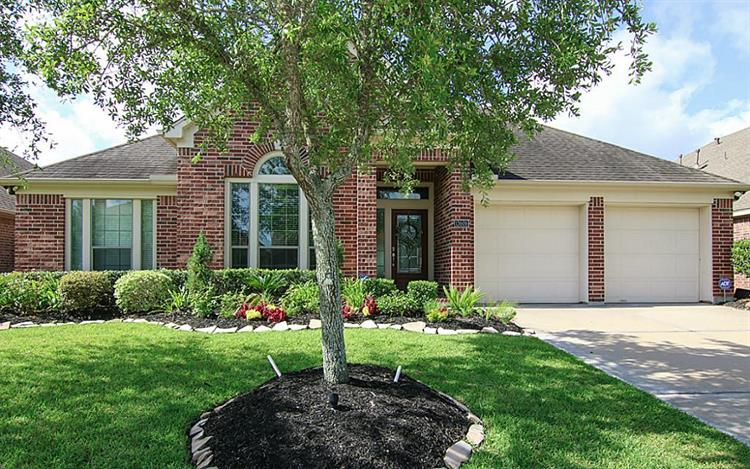 13606 Orchard Wind Lane, Pearland, TX 77584