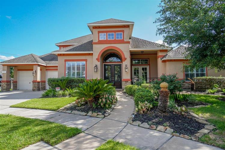 8107 Sun Terrace Lane, Houston, TX 77095