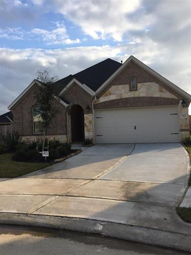 8426 Kari Bend Circle, Richmond, TX 77407 - Image 1