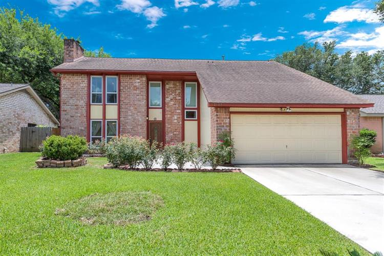 3142 Shawnee Drive, Sugar Land, TX 77479