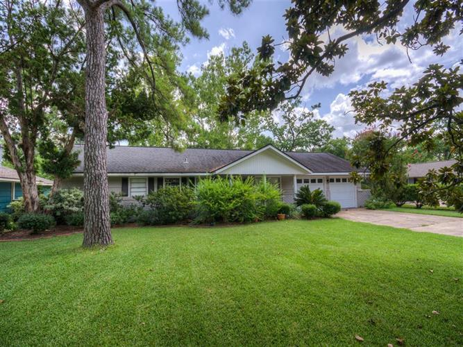 8709 Westview, Houston, TX 77055